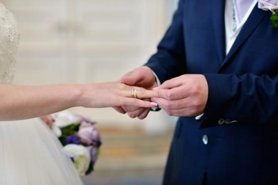 Većini brak predstavlja nešto istinski snažno